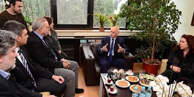Τουρκία: Ο Γιώργος Παπανδρέου στο πλευρό των φυλακισμένων δημοσιογράφων της Τζουμχουριέτ